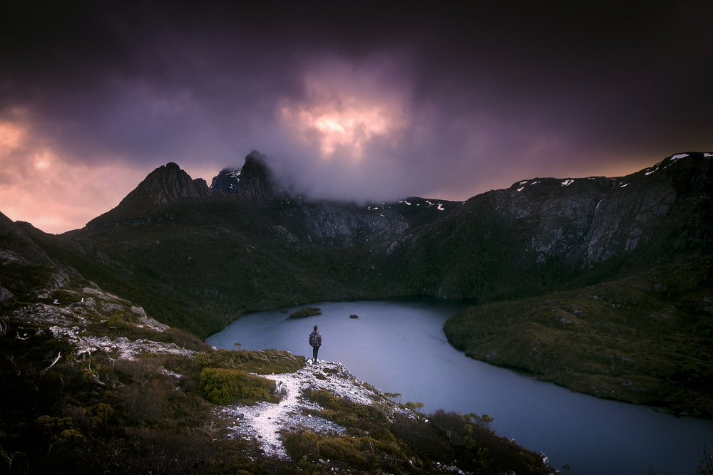 Pink skies over cradle mountain