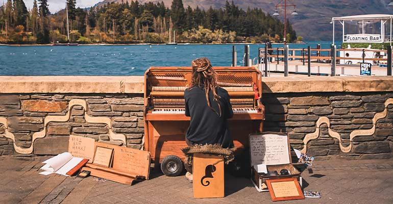Piano player Queenstown