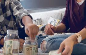 girls counting spending money