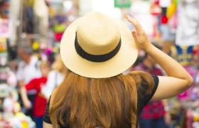 woman at street market
